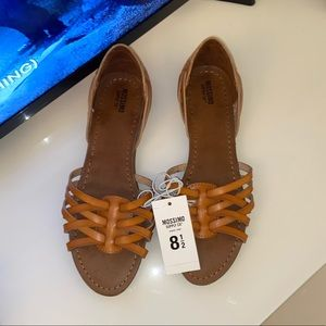 MOSSIMO NEW SANDALS